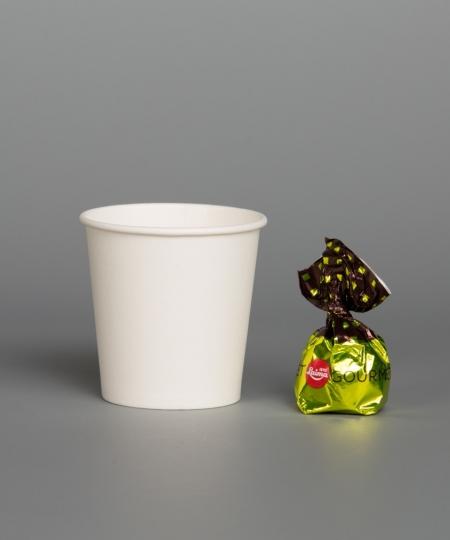 Vienkartinis baltas puodelis